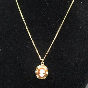 Vintage 16 Inch Stylish Dainty Cameo Necklace